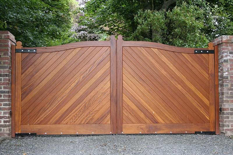 Hardwood electric gates Newcastle