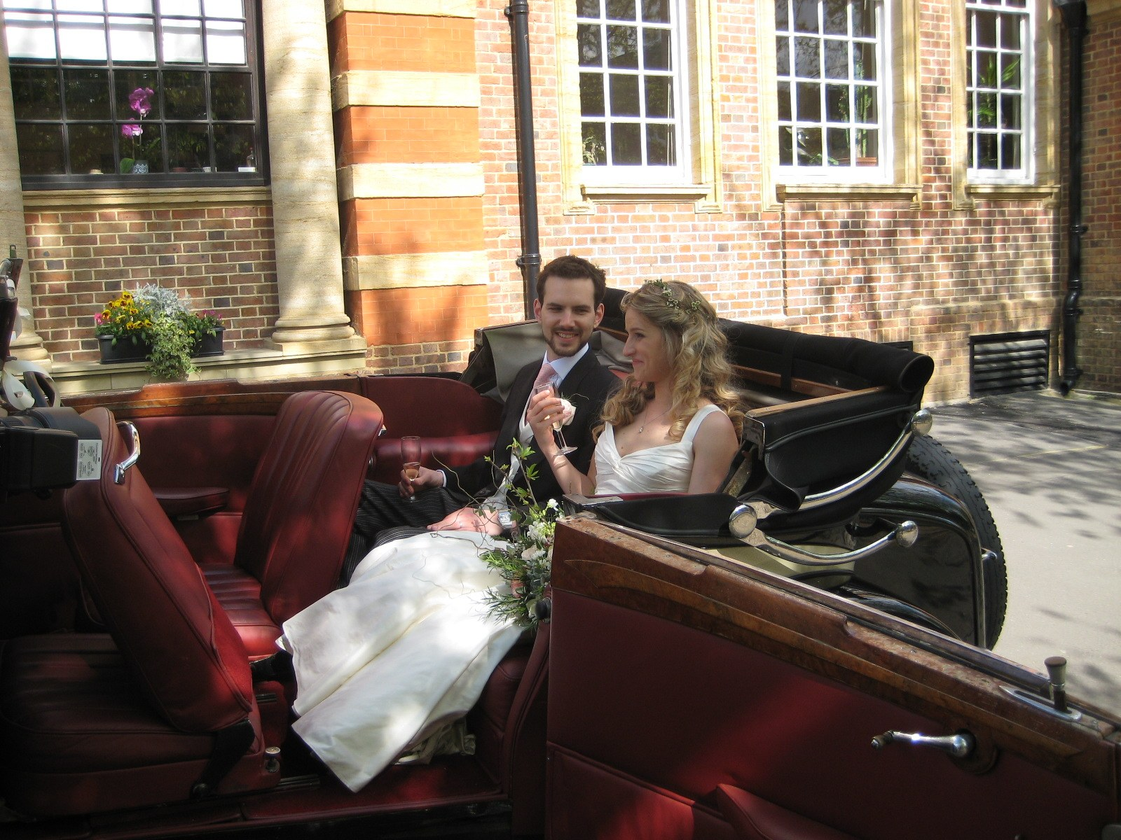 Bride and Groom arriving in our vintage wedding car