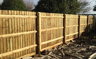 straight closeboard fencing