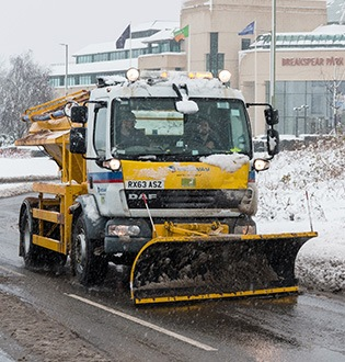 snow clearing and grit spreading