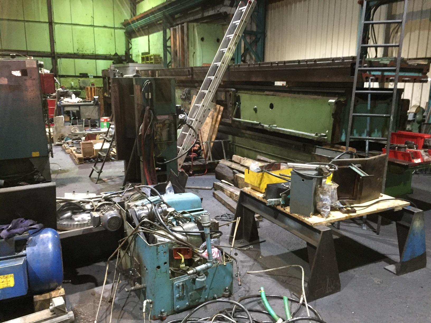 dismantled milling machine