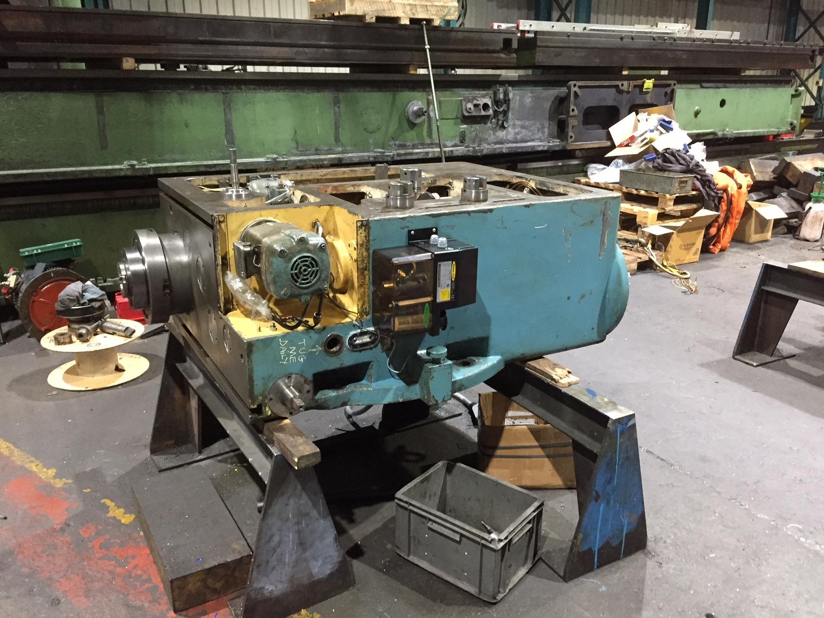 assembling a milling machine