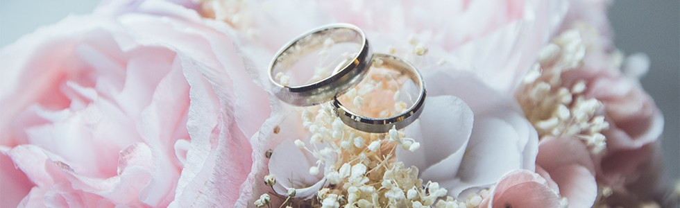 Why Choose A Horse And Carriage Wedding