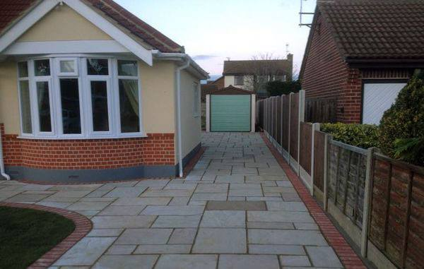 professional paving and landscaping