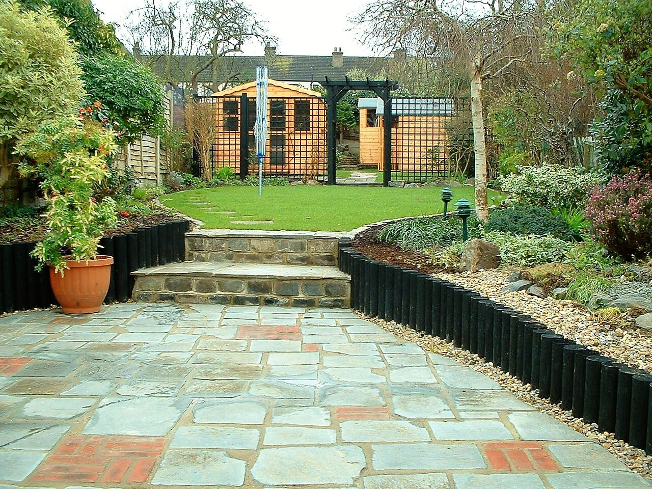 Gravesend patio - to this