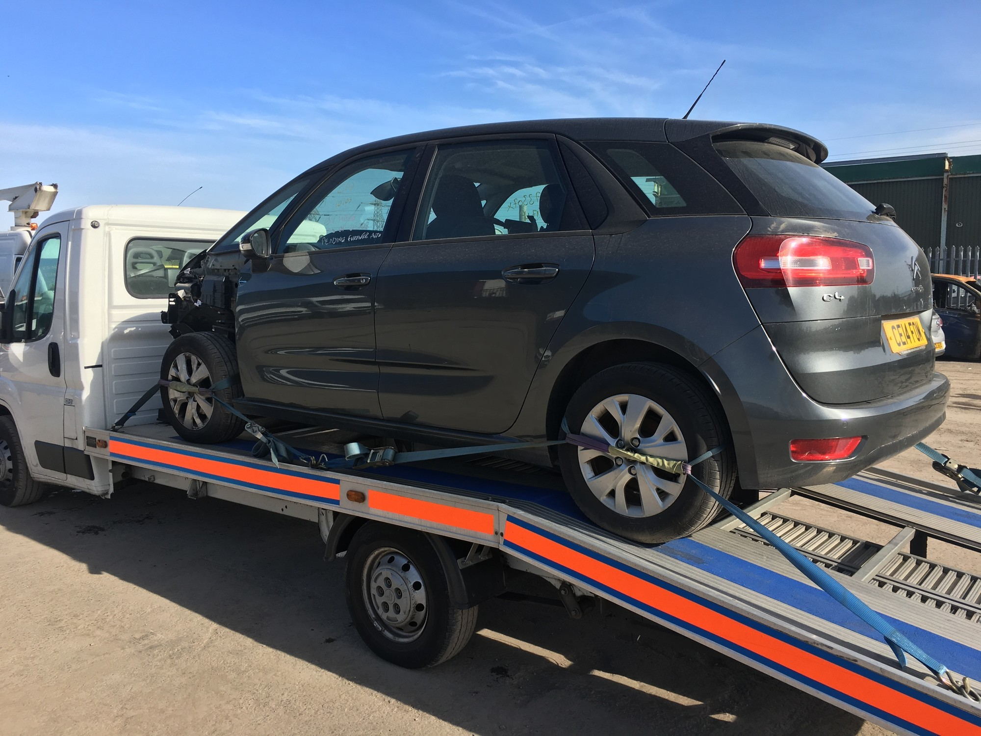 Damaged Citroen C4 Transported