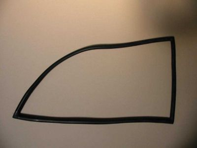REAR SIDE WINDOW RUBBER R
