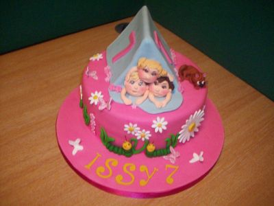 Little Girls Play Tent Cake